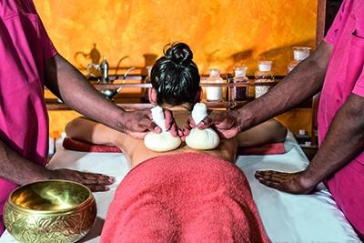 Kr-uterstempel-Massage_Vier-Jahreszeiten-am-Schluchsee